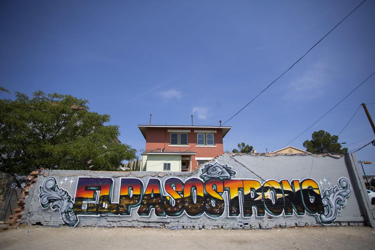 Mural that says El Paso Strong